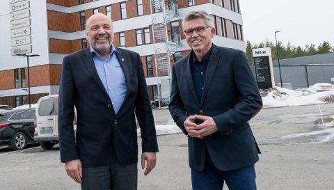 SKAL ANSETTE ETTERFØLGEREN: Ole Sunnset (til venstre) går av med pensjon. Nå skal styreleder Per Roskifte finne hans etterfølger.