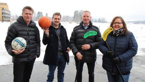 """GARANTISTER: Posisjonspartiene med ordfører Anders Østensen (Ap), Mads Sander (MDG), varaordfører Leif Haugland (Sp) og Dagrun Agnete Ødegaard (KrF) var tidlig ute med en """"hallgaranti"""", men prosjektet er blitt noe forsinket. Vårt bilde er fra mars 2017."""