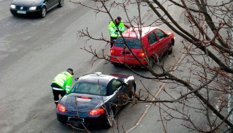 PROMILLEKONTROLL: Her blir bilførere sjekket om de kjører med alkohol i blodet i Sandefjord.