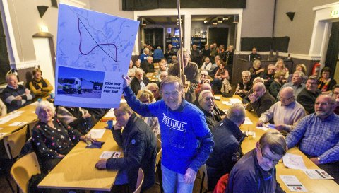 Gunnar G. Brænne etterlyser et mer aktivt Det Rette Parti. Her fra dåpsfesten til partiet. (Foto: Johnny Helgesen)