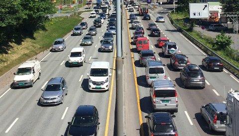Arbeidstakarar taper 280 millionar kroner på statens nye satsar i kilometergodtgjeringa ved bruk av eigen bil i jobb.