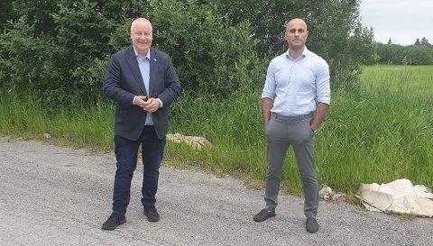EKSTRA STØTTE: 12 kommuner i Telemark får 24 millioner kroner i ekstra støtte til næringslivet, forteller Bård Hoksrud og Mahmoud Farahmand.