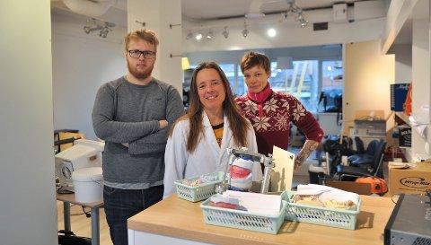 Tannhjelperne, fra venstre: Henrik Mathisen Nyland, Anette Scarbarth og Jennifer Boenki.