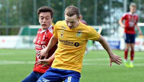 Adrian Larsen Lysø og Dahle imponerer i 4. divisjon.