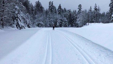 FORTSATT MULIGHET: Du har fortsatt muligheter for å ta deg en skitur. Bildet er fra Re-løypa, men også på Borgheim meldes det om oppkjøre løyper.