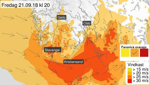 KRAFTIGE VINDKAST: – Det ser ut som at vi i løpet av fredagen først får økning til sørlig sterk kuling og periodevis liten storm langs kysten, sier meteorolog Hanne Beate Skattør om Vestfold-været.