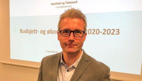 Fylkesordfører Terje Riis-Johansen hadde bedt fylkesrådmann Jan Sivert Jøsendal om å ta fri noen dager i forbindelse med varslingssaken.