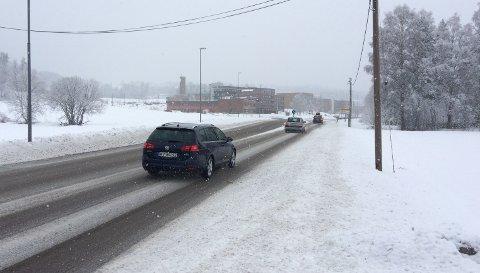 SMÅSLAPS:Riksvei 4 ved Nittedal rådhus søndag klokka 10.20.
