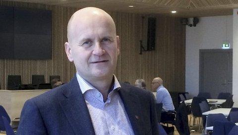 REAGERER: – Måten Telemark-ordførerne omtaler Vestfold på nå, gjør det ikke akkurat lettere å forhandle, sier fylkesordfører Rune Hogsnes (H).