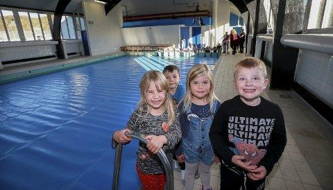 Gleder seg: Danielle, Kristian, Lucas og Frida (Alle 6 år) gleder seg stort til å kunne få svømmeundervisning, uten å måtte reise til naboøya Røst. Alle foto: Tom Melby