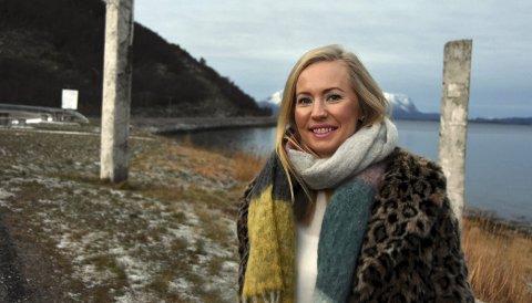 Fantastisk år: Kristine Engan Imingen sier hun og familien har hatt en fantastisk år mens hun har vært prosjektleder for «Lev i Steigen». Nå blir hun bodøværing igjen, og gleder seg til det. – Jeg elsker denne byen, inkludert vinden, sier hun.Foto: Øyvind A. Olsen