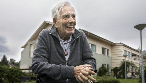 Smiler bredt: Trygve Rindahl har gledet seg stort til den store dagen der han fyller hele 100 år. Foto: Tom Melby