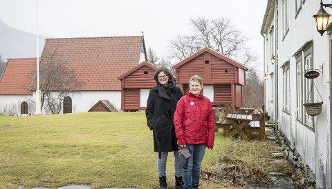 Snart klar: Torbjørg Aalborg og Heidi Meland er med i ei prosjektgruppe på fem personer som innen 1. april skal foreslå hvordan Gildeskål kirkested kan bli et fyrtårn for kommunens reiselivssatsing.