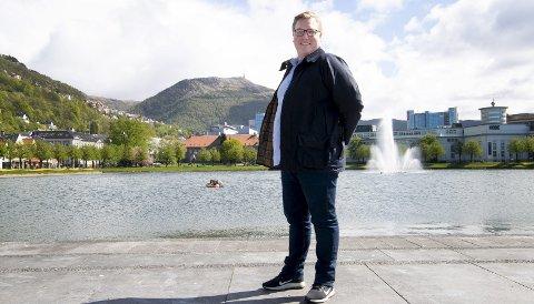 Leder av Bergen Frp, Christoffer Thomsen, tror ikke så mange bergensere vil stemme på bompengepartiet når de står foran valgurnen. – Jeg tror de vil velge orginalen, partiet som alltid har vært i mot bompenger, sier 27-åringen. FOTO: ARNE RISTESUND