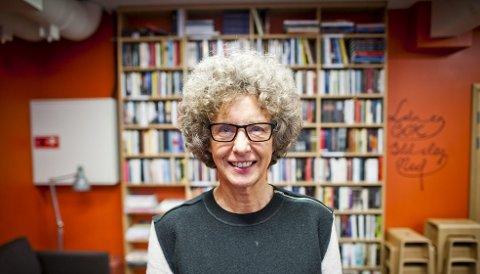 Daglig leder for Litteraturhuset, Kristin Helle-Valle ønsker at terskelen for å være med skal være lav. – Dette er ikke bare for akademikere og de med fylte bokhyller hjemme, vi vil at alle skal være med på ting som skjer her, sier hun. Arkivfoto: BA