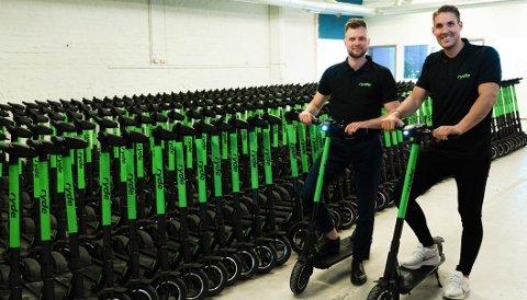 Espen Rønneberg og Johan Olofsson i Ryde sier at el-sparkesykler er et polariserende tema. – Men vi driver lovlig næringsvirksomhet.