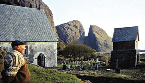 Vismann: Einar Seim frå øya Kinn utanfor Florø var ekspert på Kinnakyrkja og lærd innanfor mange fagfelt.