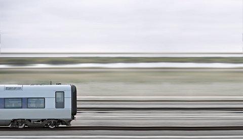 RASKE TOG: Med inntil 250 kilometer i timen håper planleggerne å gjøre unna strekningen Fredrikstad - Oslo på 45 minutter om få år.