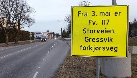 FORKJØRSVEI: Fra 3. mai blir Storveien på Gressvik forkjørsvei.