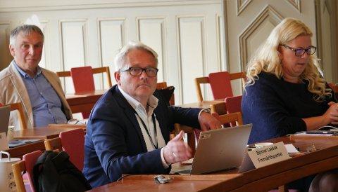 Bjørnar Laabak kan være på vei til Stortinget neste høst. Han er ført opp på plassen rett etter Erlend Wiborg. Anita Vik står på 12. plass på listen. Bildet er tatt under formannskapsmøtet 3. september.