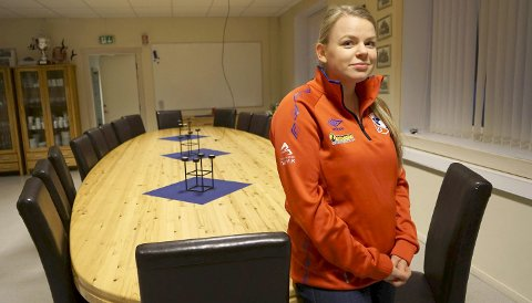 LEDER: Sandra Løveng er leder for idrettslaget i Beisfjord. Hun mener laget har strukket seg veldig langt for å få barnehage i bygda og stilt lokaler veldig billig til disposisjon for den. – Men vi skal først og fremst drive med idrett, sier hun når hun forklarer hvorfor styret forlanger at Trygge Barnehager skal betale mer i husleie. Alle foto: Fritz Hansen