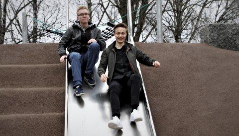Tar SATS: Knut Egil Sjønneng Sjøen (til venstre) og Sondre Skytteren er begge født etter årtusenskiftet og har valgt å kaste seg inn i politikken. FOTO: Tom R. Hæhre