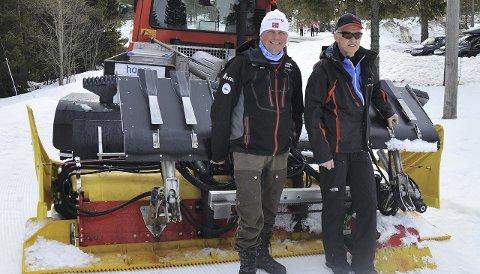 PÅSKELØYPER: Kasper Andresen og Sigmund Hamar melder om gode skiforhold på Lygna. Øståsen skiløyper er 30 år i år.