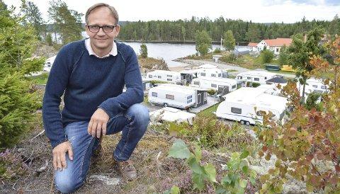 CAMPING I SKOGEN: Campingsesongen 2016 er over, og de lokale campingplassene har hatt en god sommer. Håkon Tolsby driver Stora Lee camping i Aremark og har stor suksess med hytteutleie.