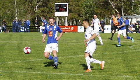 Grand Bodø - Mosjøen IL 4. divisjon HESA Aspmyra kunstgressbane 4-2. Toppscorer Eirik Høgseth scorte to mål under kampen, men dette var ikke nok til å dra hjem med seieren (bildet er hentet fra en tidligere kamp).