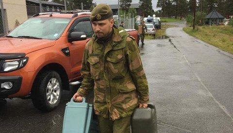 BISTÅR: 19 soldater fra Heimevernet bistår i søket etter den savnede kvinnen.