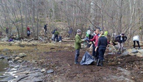 Mye Søppel: Under en aksjon i Rekevika nylig, plukket studenter 285 kilo søppel på en strand på 100 meter. Foto: Privat