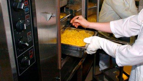 MIDDAGSMAT: Når nye Edvardsløkka står klar, skal maten avkjøles og varmes opp igjen ved levering i stedet for å holdes varm.