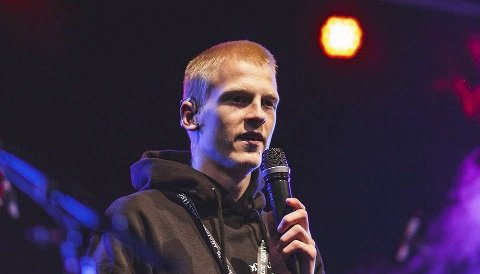 Andreas holder gjerne foredrag, og ønsker å være helt åpen om hvordan mobbingen hadde innvirkning på livet.