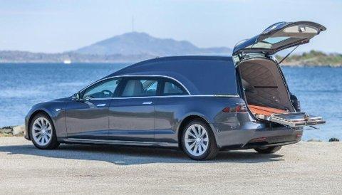 Det tar tid å bygge om en helt standard Model S – til dette...
