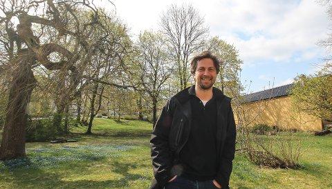 TAR GREP: Rasmus Os i Fauna Eiendom har ambisjoner om å åpne Heilmann-parken for alle slik at parken kan bli en spennende grønn lunge i Moss sentrum.