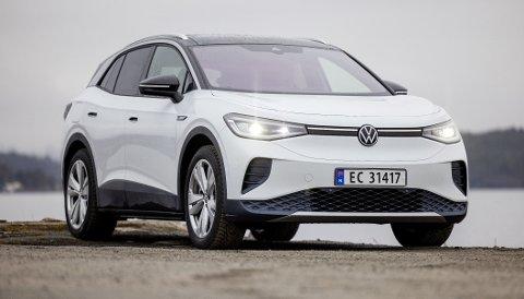 FORSINKET: VW ID. 4 er en attraktiv og ettertraktet elektrisk SUV, men nå opplever produsenten problemer med å få levert i tide. Foto: TOMM W. CHRISTIANSEN