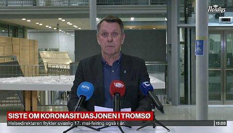 KLAR FOR VAKSINERING: Ordfører Gunnar Wilhelmsen ba alle om å holde hjertet varmt og hendene rene. Torsdag begynner vaksineringen i Tromsø.