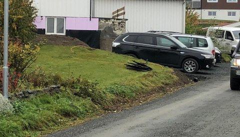 BEDT OM SVAR: Gjøvik kommune har stilt spørsmål om bruksendring og endringer på boligen som naboer protesterer mot.