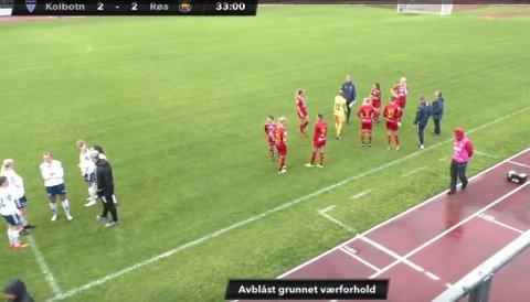 Kampen mot Røa ble avblåst på grunn av overvann på banen. Resten av kampen ble spilt mandagen etter. Skjermbilde