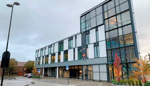 TIDLIG INN: I Porsgrunn mottar drøyt 700 personer AAP.
