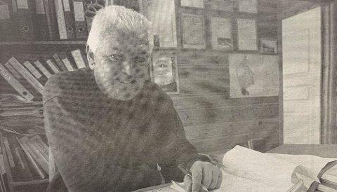 SEIRET: Gunnar Sørlie fulgte saken fra sidelinjen i går kveld. Etter mye om og men fikk firmaet hans anbudet for Brevik barnehage.