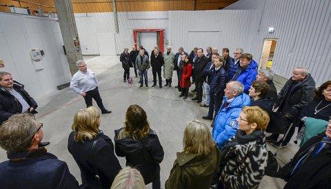 Datasenter: Studiedelegasjonen fra Bodø, Salten og Rana fikk lære litt om dataetablering av Tor Bjørn Minde i SICS.