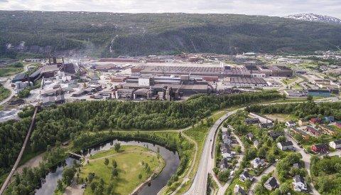 VIKTIG ROLLE: Mo Industripark, sammen med øvrig kraftintensiv industri i Nordland og oppdrettsindustrien på kysten, spiller en svært viktig rolle som foredler av nasjonale ressurser, skriver Arve Ulriksen i kronikken. Pressfoto