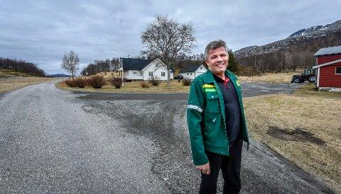 Bjørnar Skjæran tar i mot hjemme på gården Enge, Selnes i Stokkvågen. – Jeg har en sterk tilknytning til hjemplassen min, sier 52-åringen.