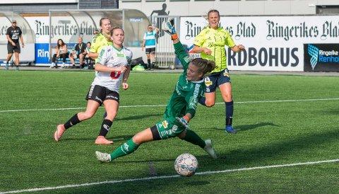 FORTSETTER I HBK: Silje Bekkåsen Nyhagen har signert ny kontrakt med HBK, og spiller for klubben i 1. divisjon i 2019.