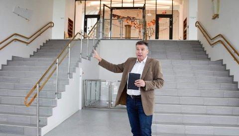 ARBEIDSULYKKE PÅ KIRKENS OMRÅDE: Kirkeverge Kjetil Gjerde mener de som arbeidsgiver må ta lærdom av hendelsen fredag.