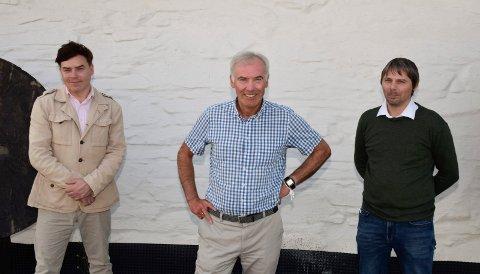 TURISME: Egil Eide (i midten) har ledet  utvalget, som skulle fremme kunst, kultur og turisme i Hole. Han har hatt med seg Thomas Klevjer (t.v.) og Jonas Gythfeldt.
