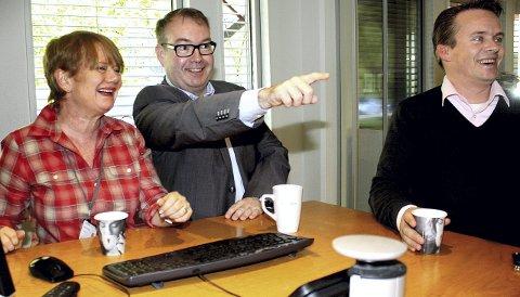 Politisk rådgiver: Høyres Kjartan Berland (i midten) hadde flere innspill da Ragnhild Bergheim (Ap) og Ståle Lien Hansen (Frp) testet Romerikes Blads valgomat. Begge foto: Torstein Davidsen