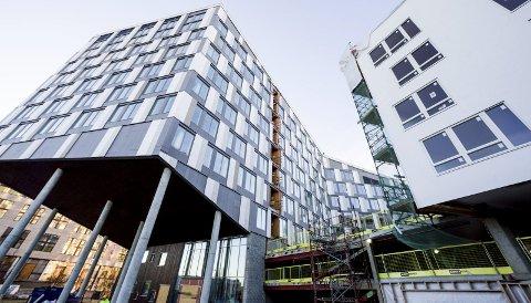 Signalbygg: Portalen består av både hotell, kontorlokaler og boliger. Nå har Skatteetaten skrevet leiekontrakt som strekker seg over 12 år.Foto: Tom Gustavsen