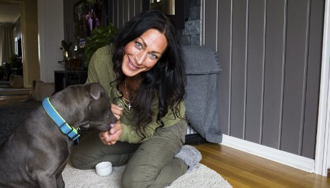 BLUE: Da Marthe Sundby ble syk, skaffet hun seg hunden Blue. Han ble et symbol på at hun skulle kjempe for å leve videre.